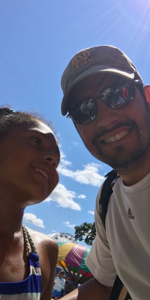 Jesse Flores & his daughter outside